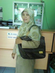 Wanita Pecinta Produk dalam Negri