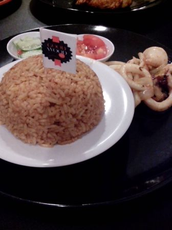 Fried Squid with Salsa and Good Wood Rice